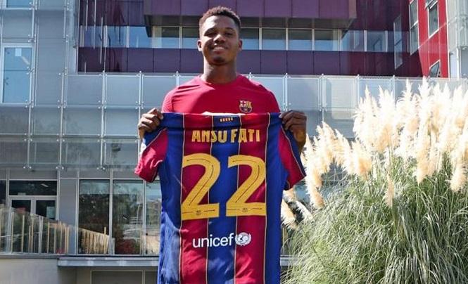 Ansu Fati nhận số áo mới