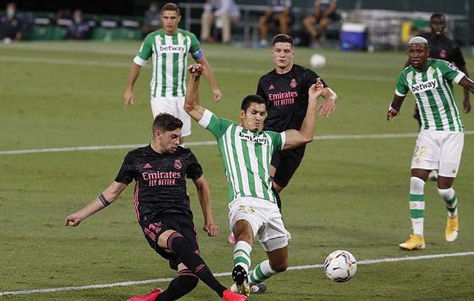 Valverde mở tỷ số trận đấu từ khá sớm