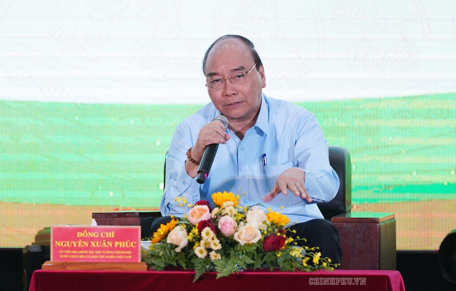 Thủ tướng Nguyễn Xuân Phúc đối thoại với nông dân tại Cần Thơ năm 2019 - Ảnh: VGP/Quang Hiếu