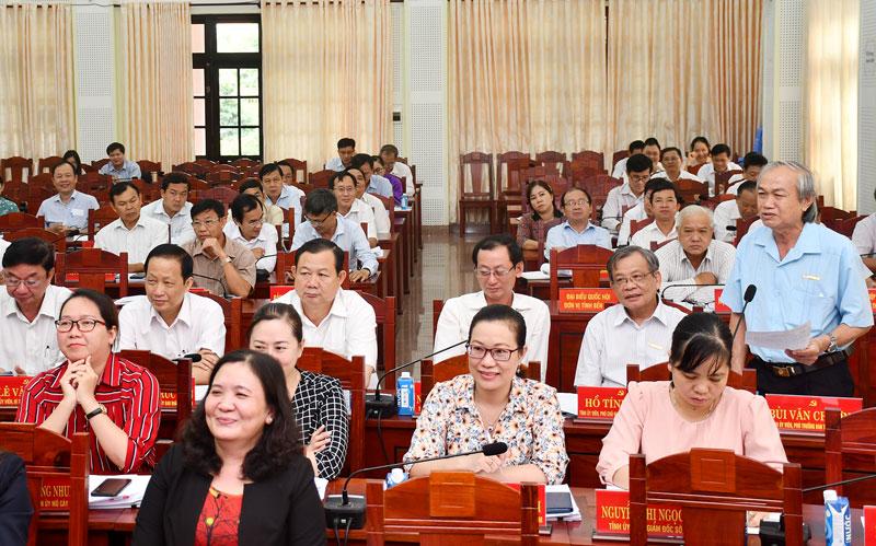 Phó Trưởng ban Tuyên giáo Tỉnh Bùi Văn Chương phát biểu tại hội nghị. Ảnh: Hữu Hiệp