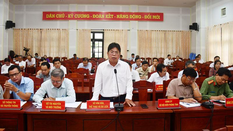 Giám đốc sở Văn - Thể thao và Du lịch Nguyễn Văn Bàn phát biểu tại hội nghị. Ảnh: Hữu Hiệp