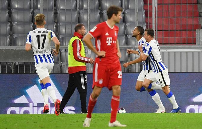 Hàng thủ Bayern chơi cực kỳ kém