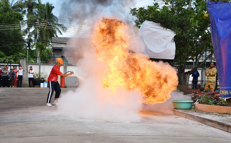 Hội thi nghiệp vụ phòng cháy, chữa cháy ngành ngân hàng tỉnh năm 2020.
