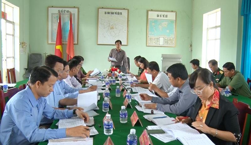 Chủ tịch UBND thành phố Huỳnh Vĩnh Khánh phát biểu tại hội nghị.