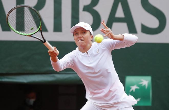 Swiatek không để thua set nào trong hành trình vô địch Roland Garros. Ảnh: Reuters