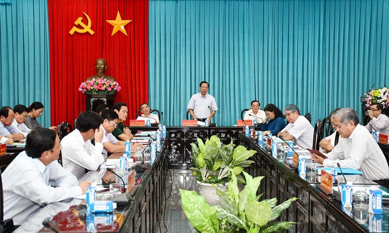 Phát biểu của Bí thư Tỉnh ủy Phan Văn Mãi tại cuộc họp.