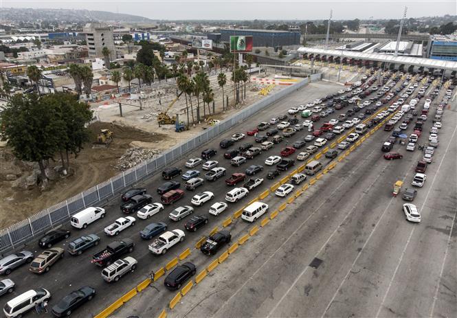 Cửa khẩu biên giới Mỹ-Mexico tại Tijuana, bang Baja California, Mexico đóng cửa do dịch COVID-19 ngày 27-7-2020. Ảnh: AFP/TTXVN