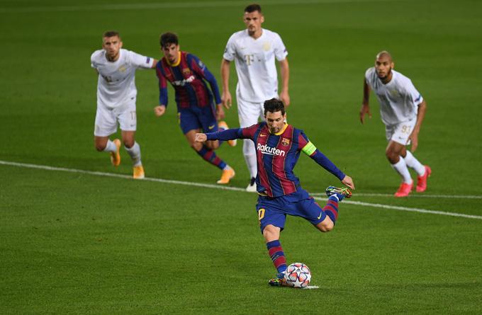 Messi mở tỷ số trên chấm 11m