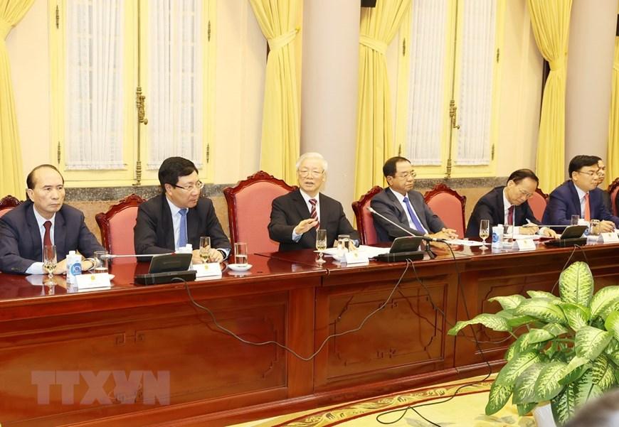 Tổng Bí thư, Chủ tịch nước Nguyễn Phú Trọng nói chuyện với các Đại sứ, Tổng Lãnh sự. Ảnh: TTXVN