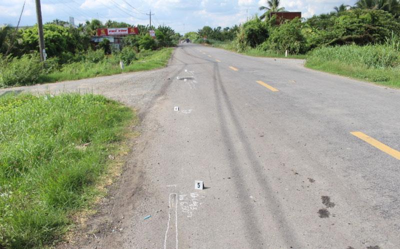 Tiến hành thực nghiệm lại hiện trường vụ tai nạn giao thông do người gây ra tai nạn bỏ trốn tại đường cảng Giao Long.