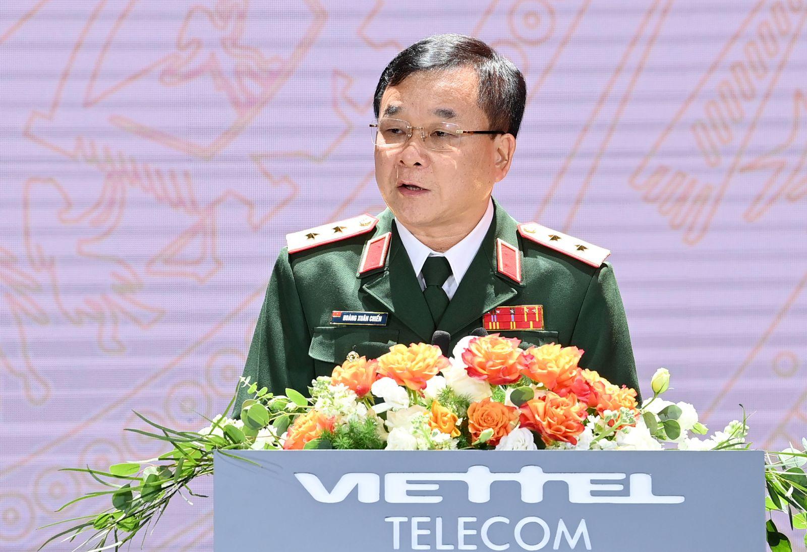 Trung tướng Hoàng Xuân Chiến - Ủy viên Trung ương Đảng, Ủy viên Quân ủy Trung ương, Thứ trưởng Bộ Quốc phòng phát biểu tại Lễ kỷ niệm.