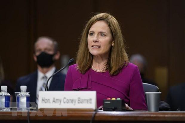 Thẩm phán Tòa án Tối cao Mỹ được đề cử Amy Coney Barrett tại phiên điều trần trước Ủy ban Tư pháp Thượng viện ở Washington DC., ngày 12-10-2020. Ảnh: AFP/TTXVN