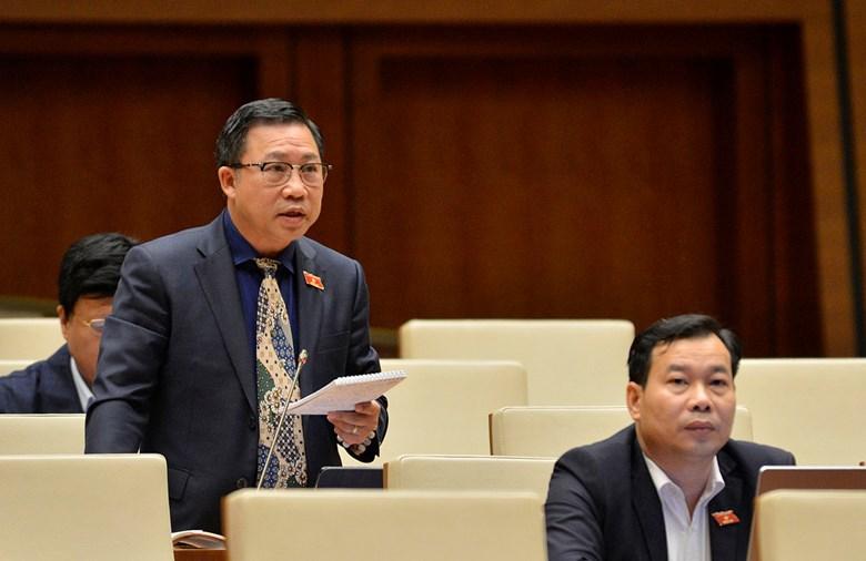 Đại biểu Lưu Bình Nhưỡng góp ý một số nội dung còn ý kiến khác nhau của dự thảo Luật Thỏa thuận quốc tế.