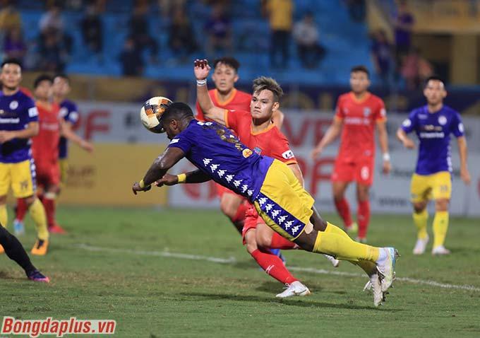 Rimario gỡ hòa cho Hà Nội FC