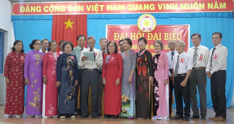Ban Chấp hành khóa mới ra mắt trước đại hội. Ảnh: Việt Cường.