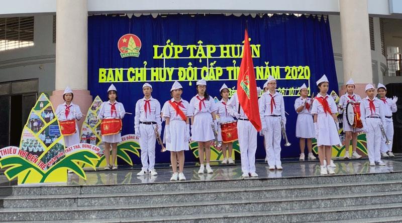 Khai mạc lớp tập huấn Ban Chỉ huy Đội tỉnh Bến Tre năm 2020. Ảnh: Huy KT