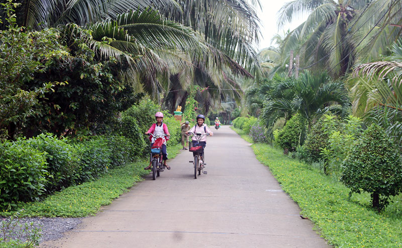 Giao thông nông thôn xã Châu Bình (Giồng Trôm).