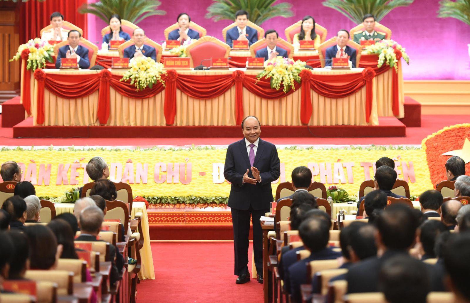 Thủ tướng Nguyễn Xuân Phúc đã dự phiên khai mạc Đại hội đại biểu Đảng bộ tỉnh Phú Thọ lần thứ XIX. Ảnh VGP/Quang Hiếu
