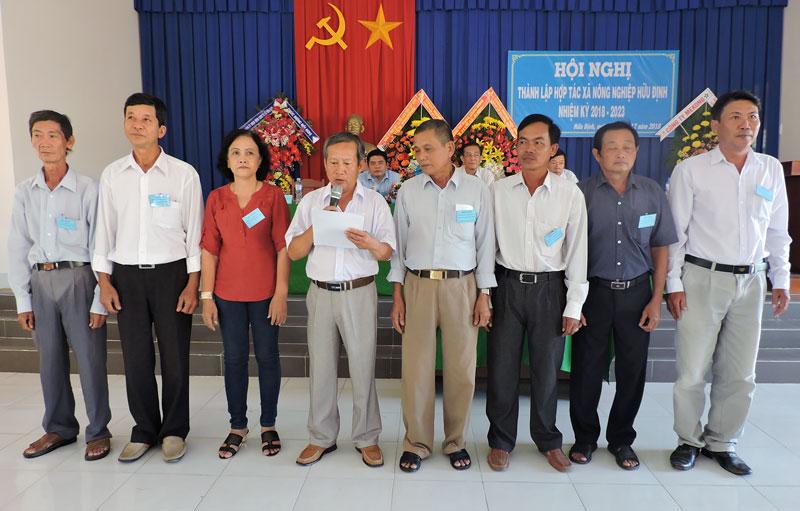Hội nghị thành lập Hợp tác xã nông nghiệp Hữu Định, huyện Châu Thành.