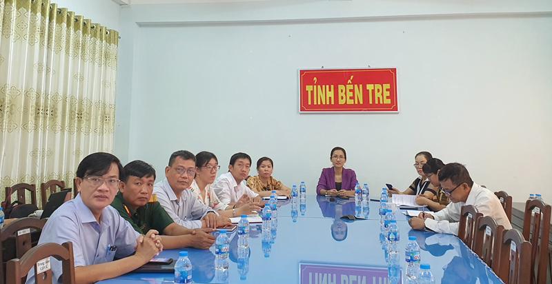 Đại biểu tỉnh Bến Tre dự hội nghị.