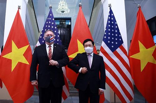 Phó Thủ tướng, Bộ trưởng Ngoại giao Phạm Bình Minh và Ngoại trưởng Hoa Kỳ Michael Pompeo - Ảnh: VGP/Hải Minh