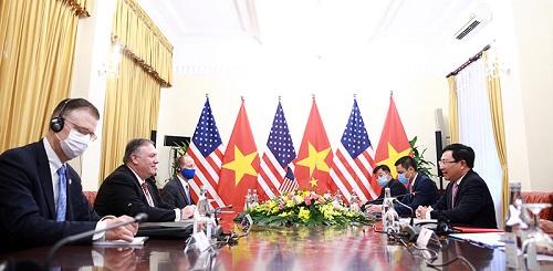 Hai bên trao đổi về các biện pháp thúc đẩy làm sâu sắc hơn nữa quan hệ hai nước trong thời gian tới - Ảnh: VGP/Hải Minh