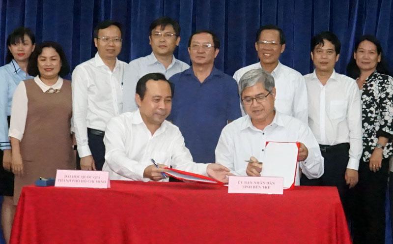 Đại diện lãnh đạo hai đơn vị đã tiến hành ký kết bảng ghi nhớ hợp tác.