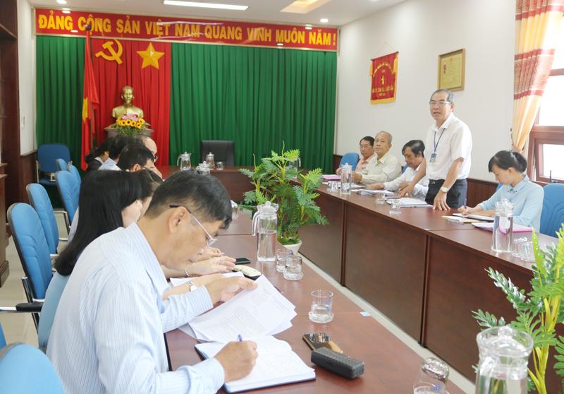 Trưởng ban Văn hóa - Xã hội, HĐND tỉnh Đặng Ngọc Anh phát biểu tại buổi giám sát.