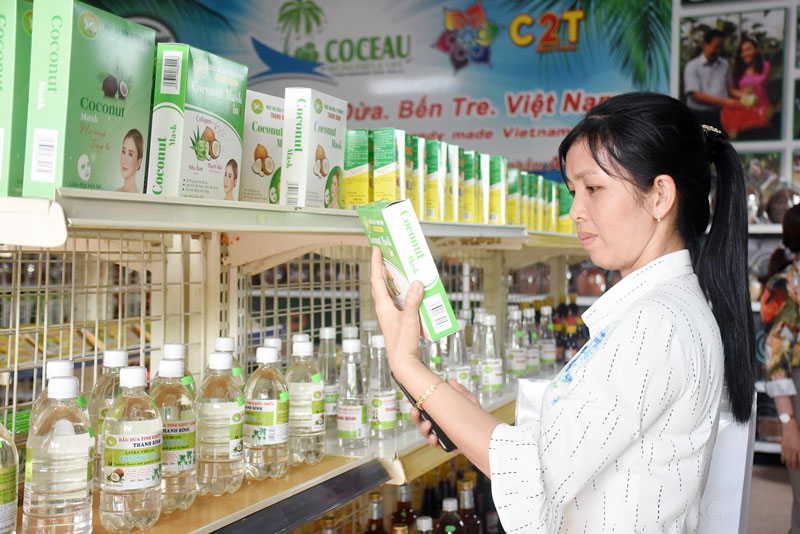 Sản phẩm dừa Bến Tre đang được tập trung xây dựng đạt chuẩn tiêu chuẩn OCOP.