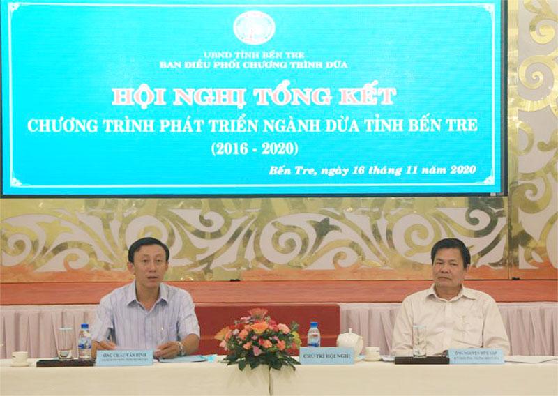 Phó chủ tịch UBND tỉnh Nguyễn Hữu Lập, Giám đốc Sở Công Thương Châu Văn Bình cùng chủ trì hội nghị.