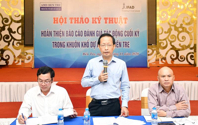 Phó chủ tịch UBND tỉnh Nguyễn Trúc Sơn phát biểu tại hội thảo.