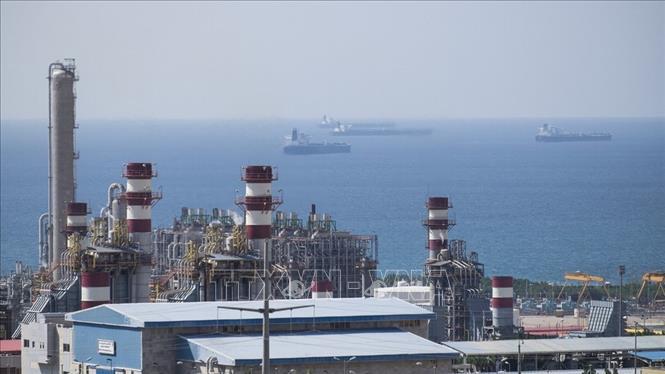 Toàn cảnh một cơ sở khai thác khí đốt của South Pars ở vịnh Persian, Iran. Ảnh: Offshore/TTXVN