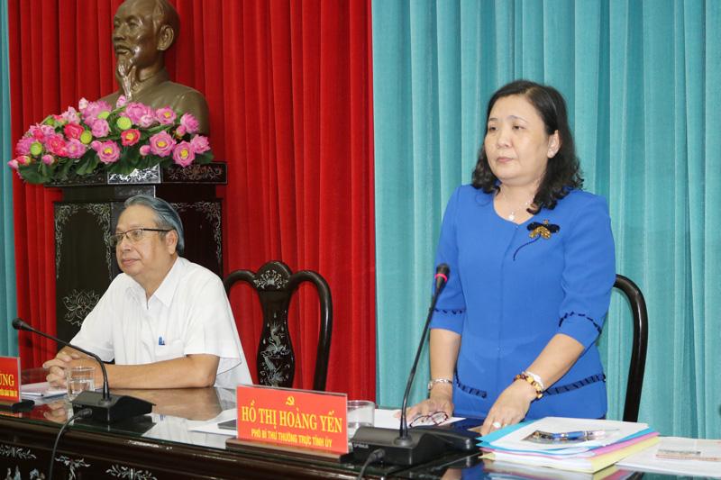 Phó bí thư Thường trực Tỉnh ủy Hồ Thị Hoàng Yến phát biểu tại buổi tọa đàm.
