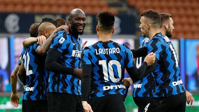 Niềm vui chiến thắng của Lukaku và các đồng đội