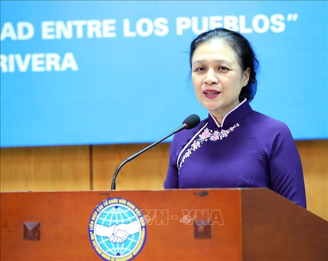 Chủ tịch Liên hiệp các tổ chức Hữu nghị Việt Nam Nguyễn Phương Nga phát biểu tại buổi lễ. Ảnh: TTXVN