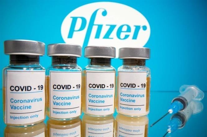 Vaccine ngừa COVID-19 do hãng Pfizer (Mỹ) phát triển. Ảnh: Reuter/TTXVN