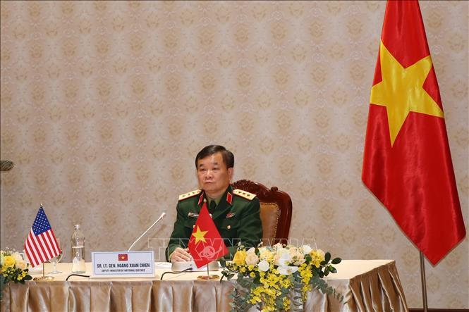 Thượng tướng Hoàng Xuân Chiến, Thứ trưởng Bộ Quốc phòng Việt Nam tham gia buổi họp trực tuyến tại điểm cầu Hà Nội.