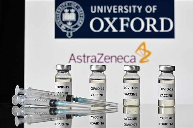 Hình ảnh mô phỏng vaccine phòng COVID-19 do Hãng dược phẩm liên doanh Anh - Thụy Điển AstraZeneca phối hợp với Đại học Oxford phát triển. Ảnh: AFP/TTXVN