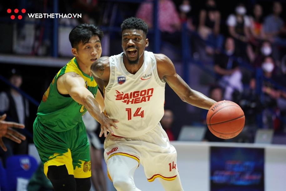 Saigon Heat tăng tốc đúng lúc để giành vé đầu tiên vào Chung kết VBA 2020. Ảnh: Việt Long