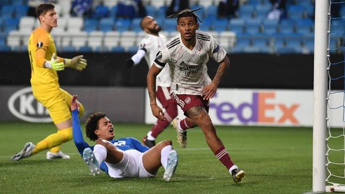 Balogun ấn định tỷ số 3-0 ở phút 83