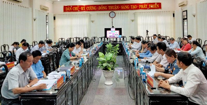 Hội nghị trực tuyến tại điểm cầu tỉnh.