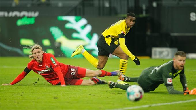 Coglone đã giành được chiến thắng đầu tiên ở Bundesliga mùa này