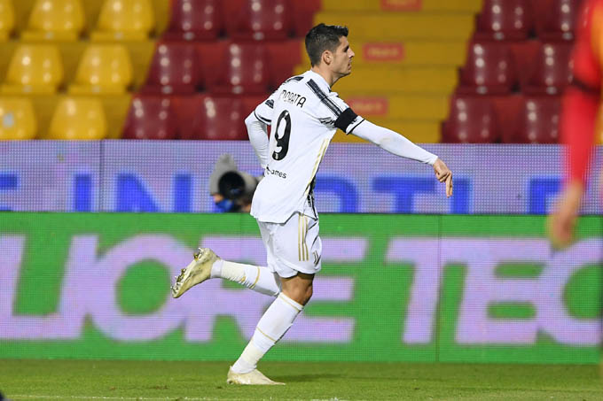 Morata ăn mừng bàn thắng mở tỷ số
