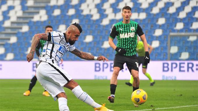 Vidal đã tác động khiến cầu thủ của Sassuolo đốt lưới nhà
