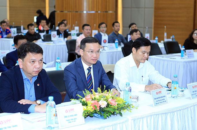 Đến dự đại hội có ông Nguyễn Hồng Minh (chính giữa) - Phó Tổng cục trưởng Tổng cục Thể dục thể thao - Ảnh: Đức Cường