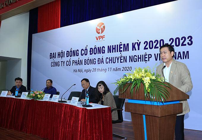 Ông Trần Anh Tú - Chủ tịch HĐQT VPF phát biểu khai mạc đại hội - Ảnh: Đức Cường
