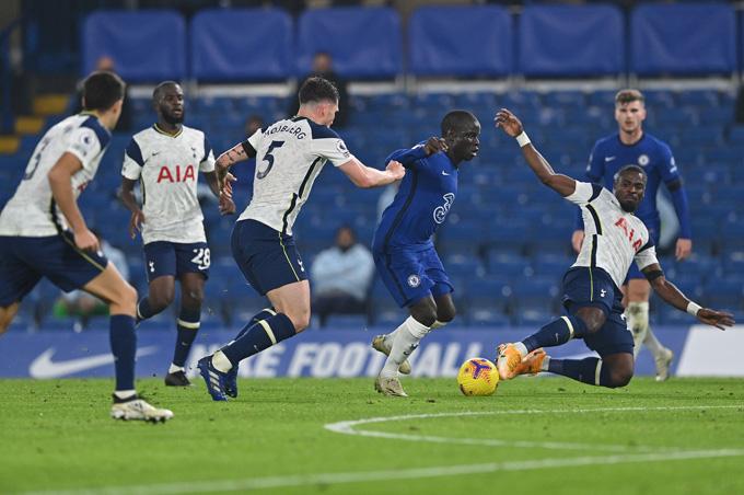 Chelsea chơi lấn lướt Tottenham, nhưng bế tắc trong việc ghi bàn