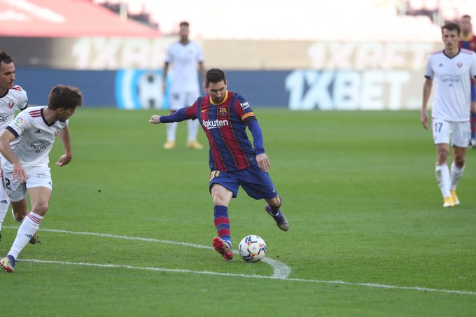 Messi ấn định chiến thắng 4-0 cho Barca