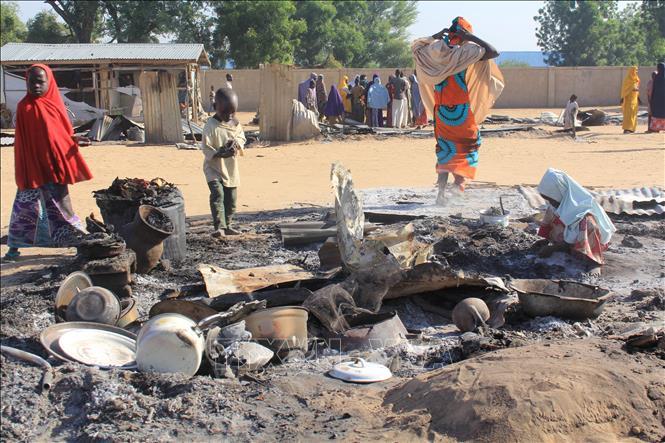 Hiện trường một vụ tấn công tại Dalori, ngoại ô Maiduguri, bang Borno, Nigeria. Ảnh tư liệu: AFP/TTXVN