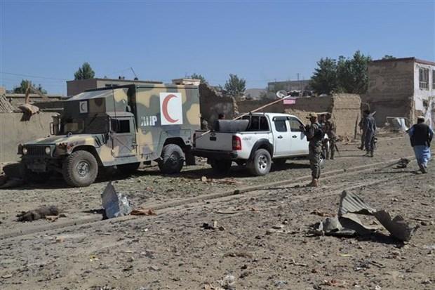 Hiện trường một vụ đánh bom xe tại tỉnh Ghazni, miền Đông Afghanistan. (Ảnh minh họa. AFP/TTXVN)